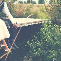 結婚式に元カレ元カノを招待するのってあり?