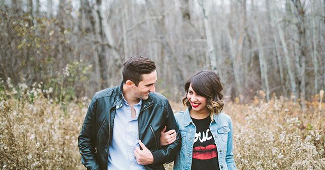恋人同士、夫婦は笑うツボが同じもの?