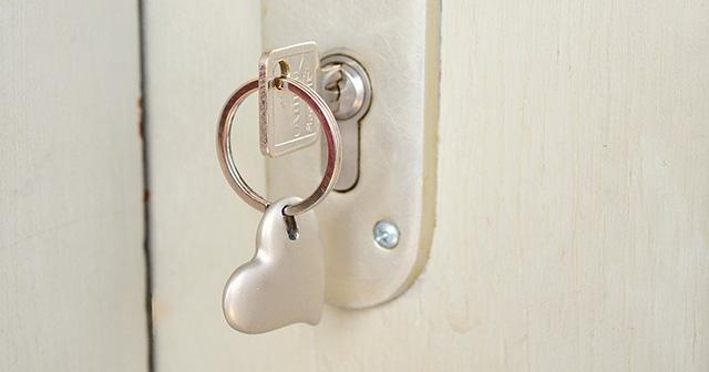 恋人が合鍵を渡すタイミングからみる意外にキケンな合鍵の実態
