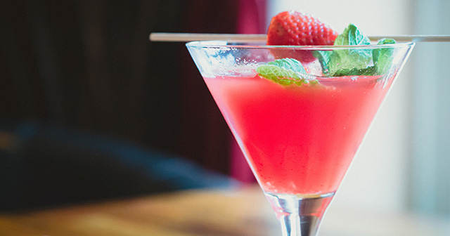 炭酸飲料、辛いもの、お酒、絶叫マシーンなどを好きな方は刺激的な恋愛を求める傾向にある!?